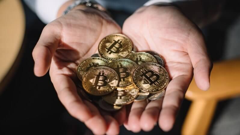 Bitcoin Bir Dijital Altın Mı, Yoksa P2P Nakit Sistemi Mi?