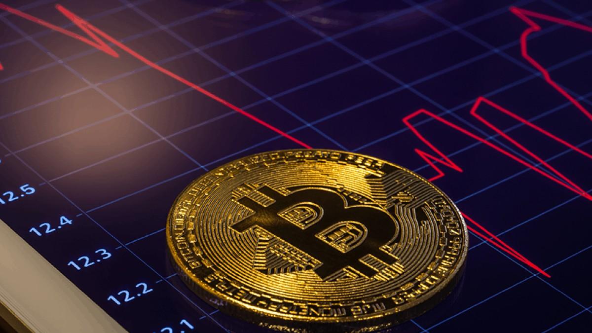 Bitcoin (BTC) 18.000 Doların Altına Geriledi: Düşüş Devam Eder Mi?