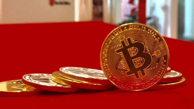 Bitcoin'de İki Zıt Senaryo: BTC Fiyatı Hangi Yöne Gidecek?