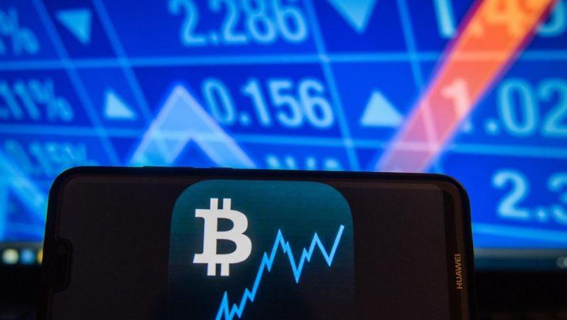 Bitcoin'in (BTC) Fiyatı Düşüyor Ama Çakılmayı Bu Etkenler Engelliyor!
