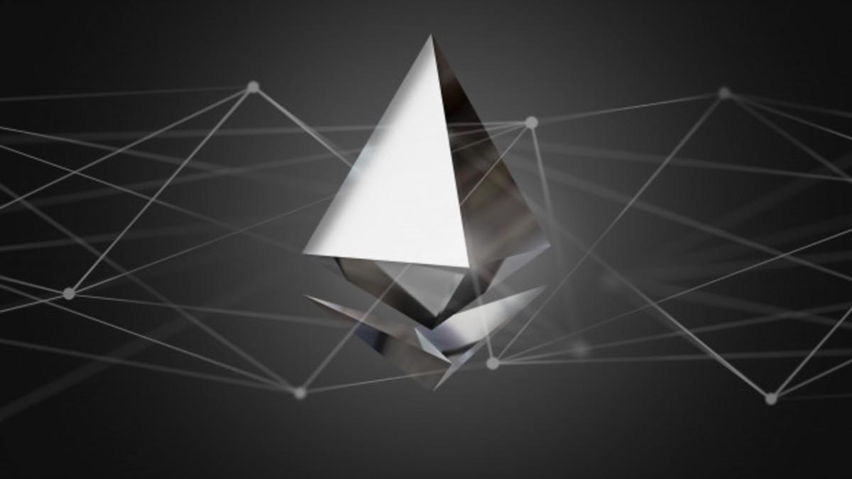 Ethereum (ETH) Fiyatı 1.000 Doları Zorluyor: ETH, Altcoin Rallisini Başlattı mı?